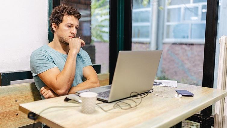 企业在线培训系统软件如何促进工作场所的多样性和包容性?