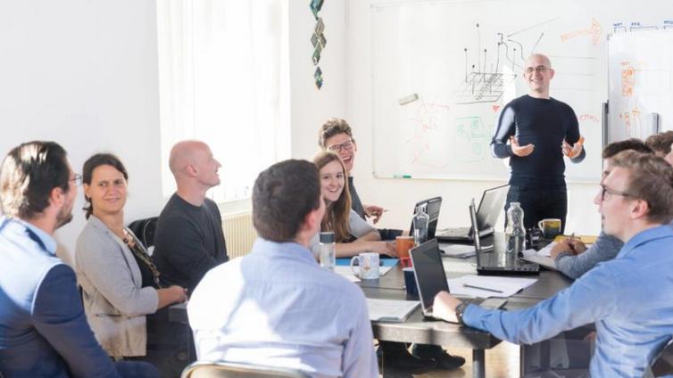 企业使用企业在线培训平台系统,有哪些意想不到的优势?