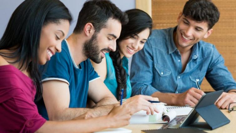 通过企业培训软件进行远程学习的好处
