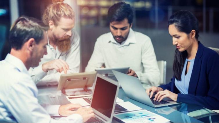 选择和实施企业在线培训平台所面临的挑战