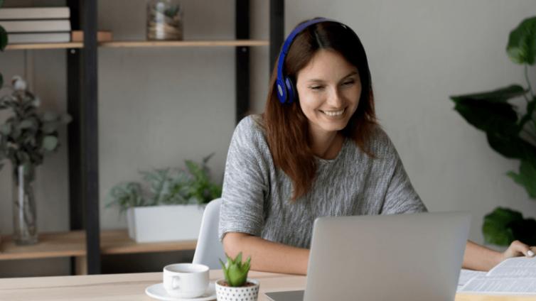 在线企业培训课程中如何吸引和保持观众的注意力