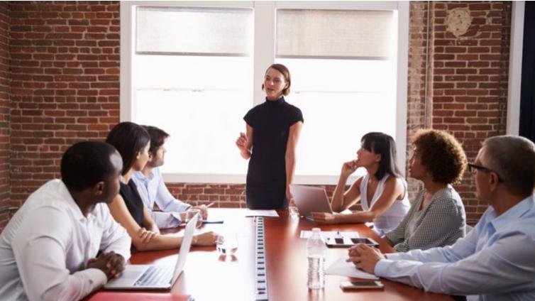 在公司内部员工培训方案中,如何做好绩效管理?