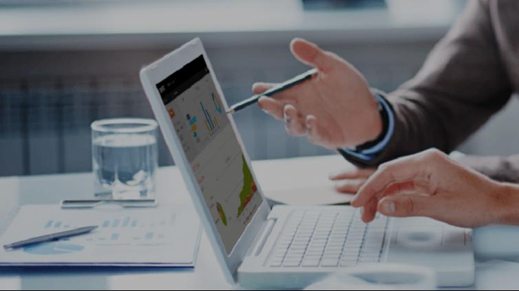 为您的多语言在线培训课程选择最佳企业在线学习平台的7个技巧