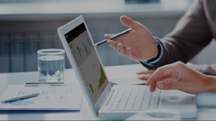 如何为您的多语言在线培训课程选择企业在线教育平台?
